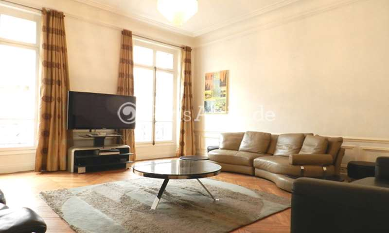 Rent Apartment 3 Bedrooms 180m² rue de la Bienfaisance, 8 Paris