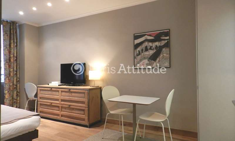 Rent Apartment Studio 27m² rue Saint Roch, 75001 Paris