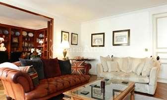 Rent Apartment 3 Bedrooms 123m² rue Jacob, 6 Paris