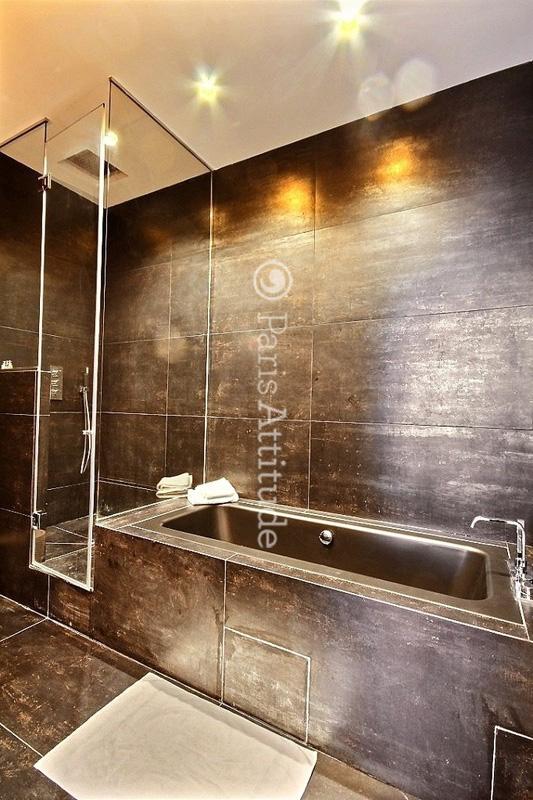 louer un appartement paris 75008 75m champs elysees. Black Bedroom Furniture Sets. Home Design Ideas
