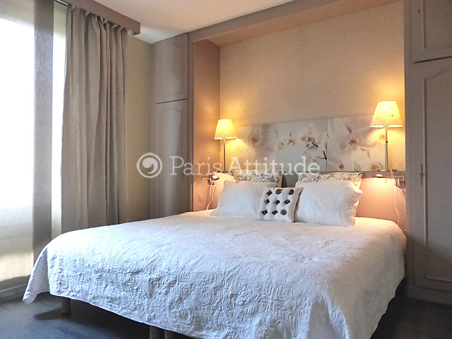 Louer un appartement paris 75016 67m avenue foch for Placard tete de lit
