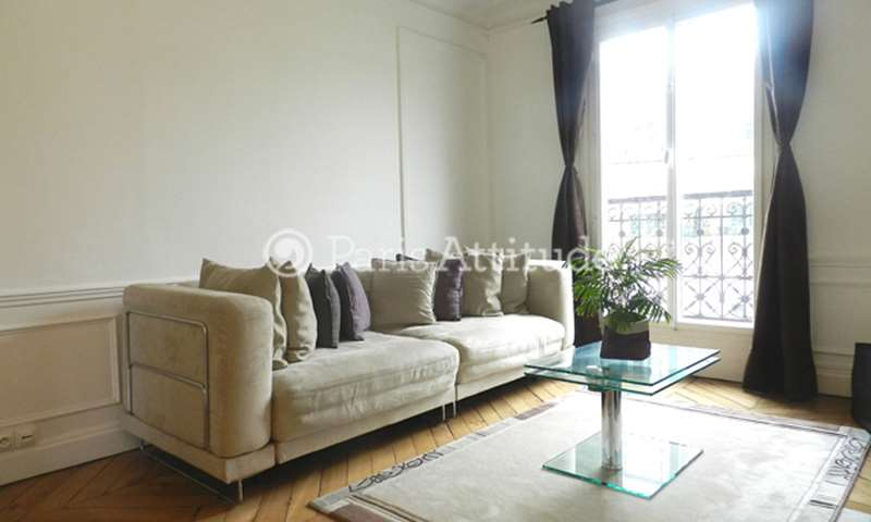 Rent Apartment 1 Bedroom 52m² rue Petit, 19 Paris