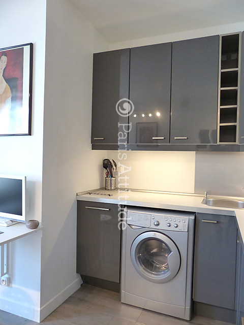 Rent Apartment in Paris 75008 - 15m² Parc Monceau - ref 10678