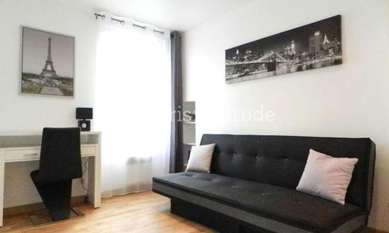 Rent Apartment Studio 20m² Rue Sambre et Meuse, 10 Paris