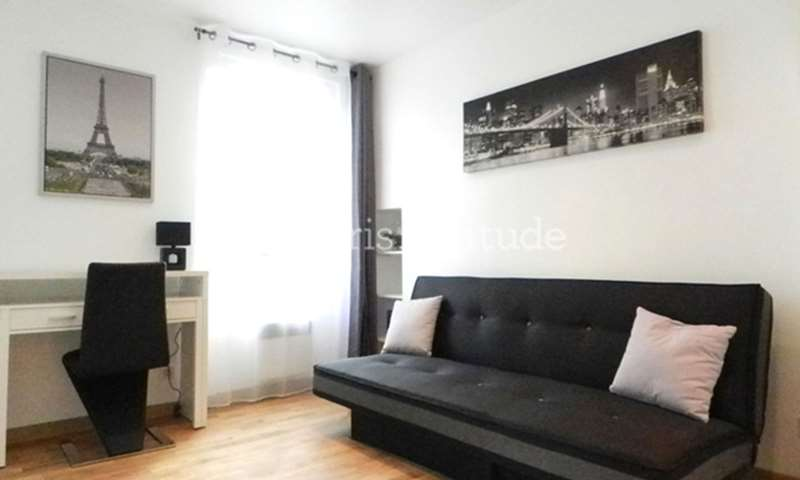 Rent Apartment Studio 20m² Rue Sambre et Meuse, 75010 Paris