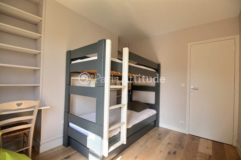 Perfect The 9 Square Meters Bedroom Has A Double Glazed Window Facing Courtyard .  It Is Equipped With : Bunk Beds, Built In Wall Closet, Hard Wood Floor.