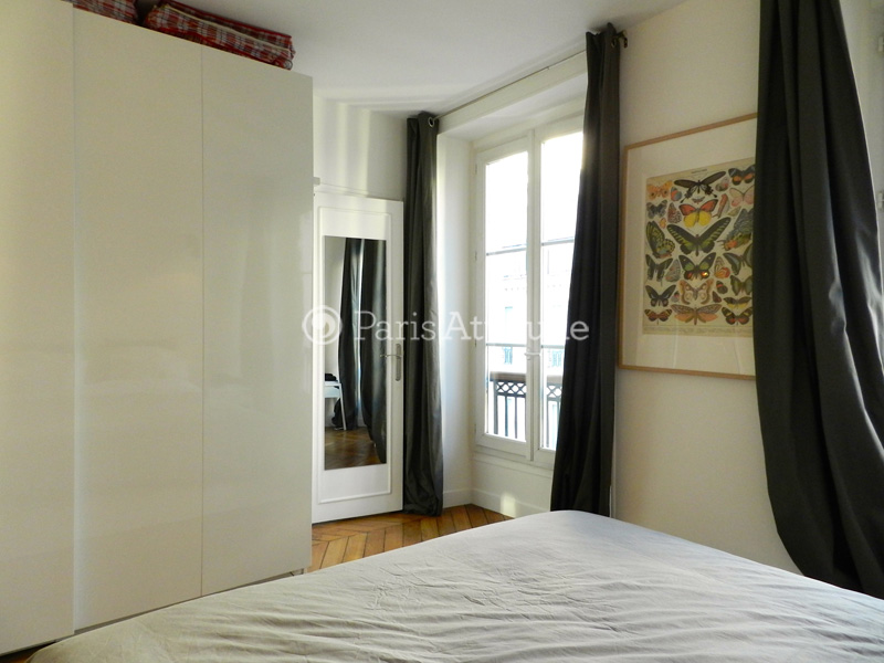 Louer un appartement paris 75009 68m grands for Chambre de bonne a louer paris week end