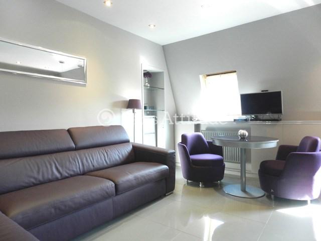 Location Appartement Studio 24m² rue Christophe Colomb, 75008 Paris