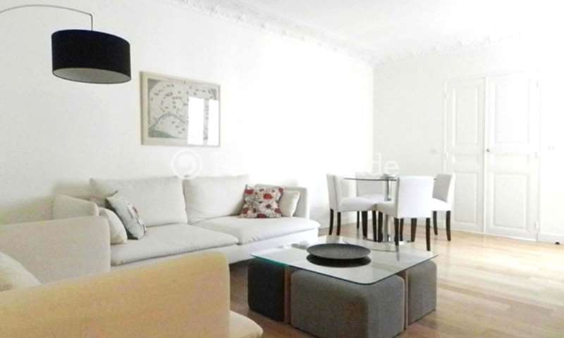 Rent Apartment 2 Bedroom 57m² rue de Vintimille, 75009 Paris