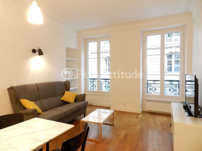 Rent Apartment 3 Bedroom 60m² rue de Grenelle, 75007 Paris