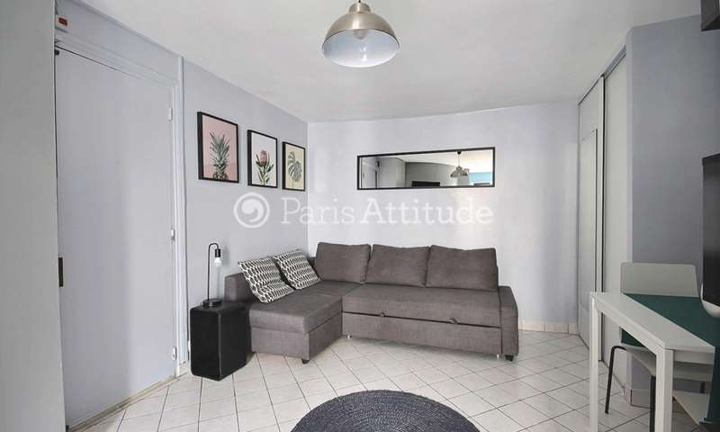 Rent Apartment Studio 17m² rue du Faubourg Saint Denis, 10 Paris