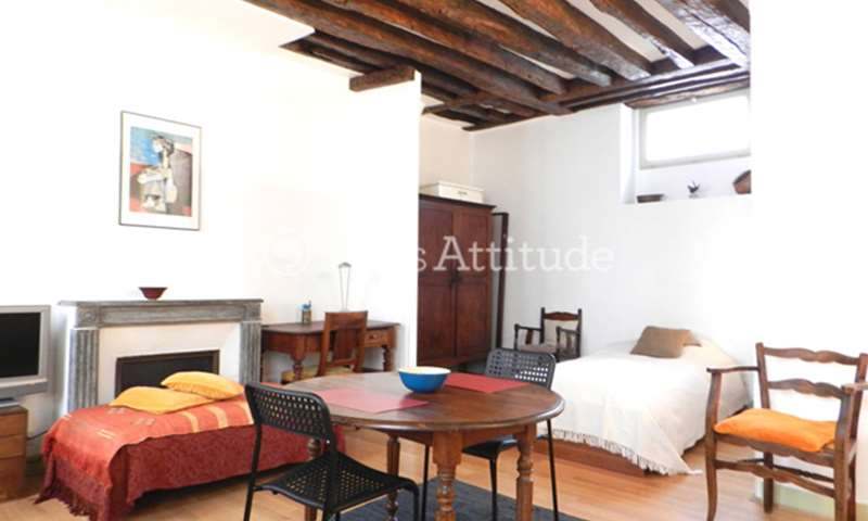Location Appartement Studio 30m² rue du Faubourg Saint Antoine, 75011 Paris