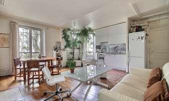 Location Appartement 2 Chambres 60m² rue Friant, 14 Paris