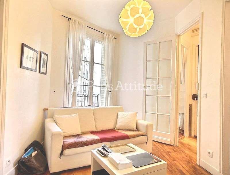 Louer un appartement paris 75018 32m montmartre north for Louer chambre sans fenetre
