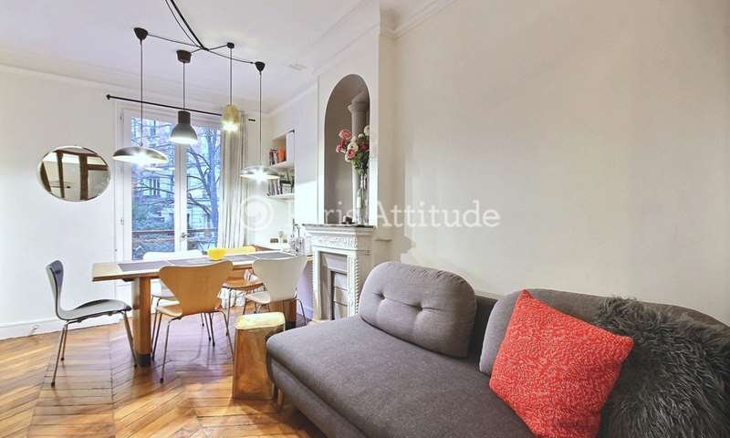 Location Appartement 2 Chambres 35m² rue Muller, 75018 Paris