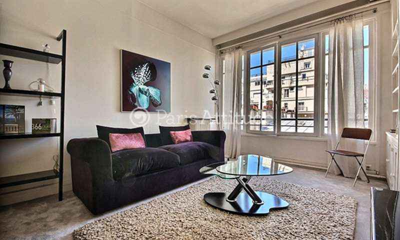 Rent Apartment 1 Bedroom 60m² rue Jean Mermoz, 8 Paris