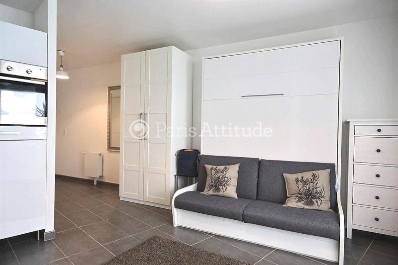 Louer un appartement paris 75019 27m buttes chaumont ref 11534 - Table a manger pour studio ...
