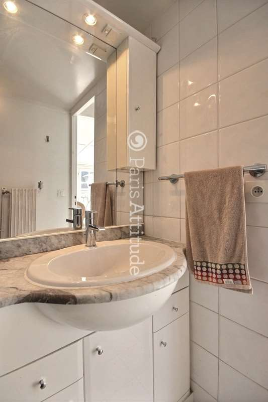 Louer un appartement paris 75011 26m republique ref for Louer un appartement meuble a paris