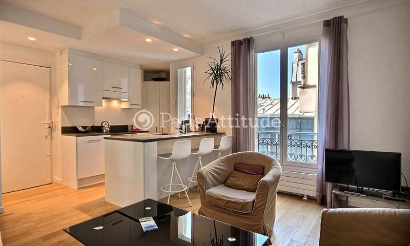 Rent Apartment 2 Bedroom 47m² rue Veron, 75018 Paris