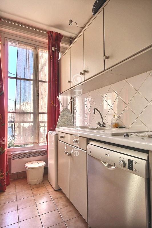 Louer un appartement paris 75015 55m commerce ref 11777 for Louer une chambre sans fenetre