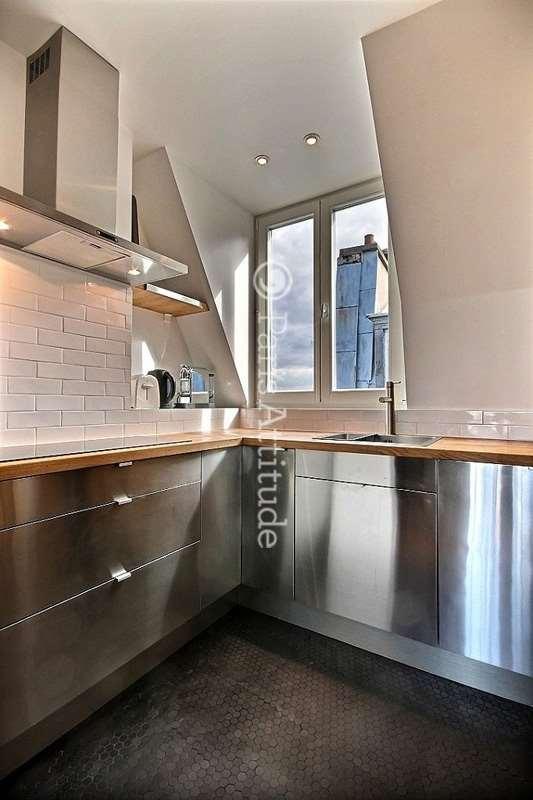 Louer un appartement paris 75009 59m moulin rouge for Louer chambre sans fenetre