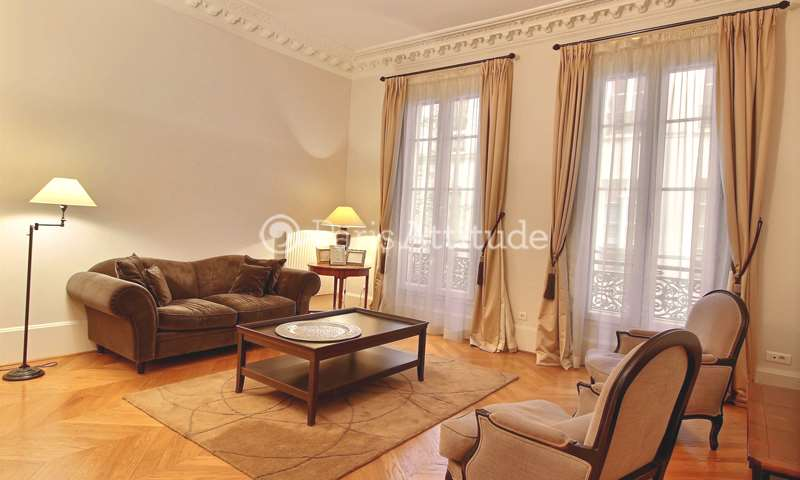 Location Appartement 2 Chambres 106m² rue de Castellane, 75008 Paris