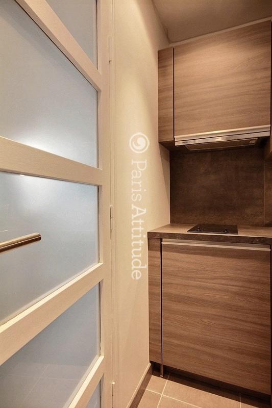Louer un appartement paris 75016 27m charles de for Louer chambre sans fenetre