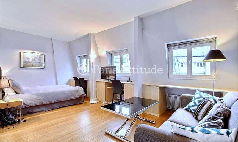 Rent Apartment Studio 38m² rue de Berri, 8 Paris