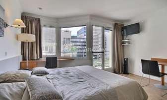 Rent Apartment Studio 25m² rue Eliane Jeannin Garreau, 92130 Issy les Moulineaux