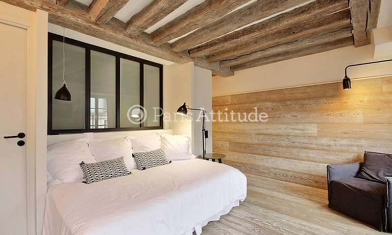 Rent Apartment Studio 26m² rue Saint Honore, 75001 Paris