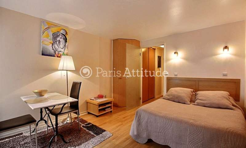Rent Apartment Studio 25m² rue Jean Baptiste Pigalle, 75009 Paris