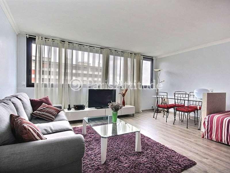 Louer un appartement paris 75019 40m buttes chaumont for Appartement atypique 75019