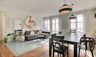 Location Appartement 2 Chambres 70m² rue de la Forge Royale, 11 Paris