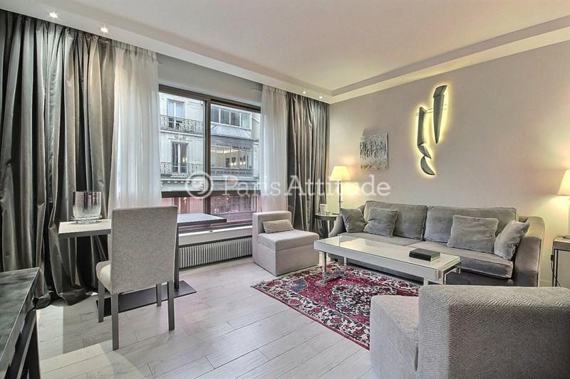 Location Appartement 1 Chambre 37m² rue de Berri, 75008 Paris