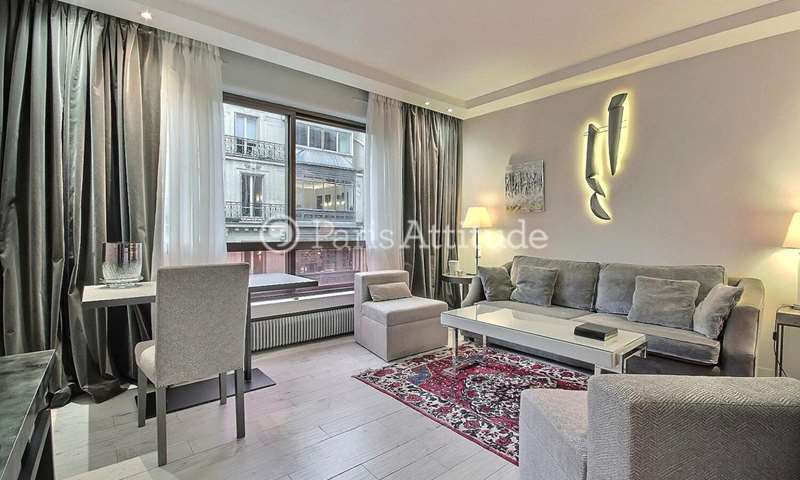 Rent Apartment 1 Bedroom 37m² rue de Berri, 8 Paris