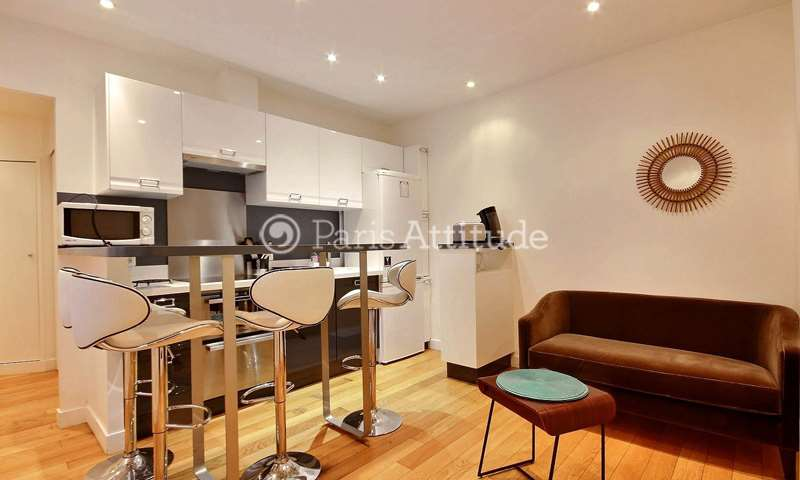 Rent Apartment 1 Bedroom 32m² rue de Rochechouart, 9 Paris