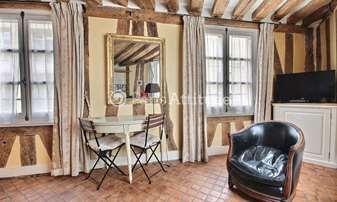 Rent Apartment Studio 19m² rue Saint Roch, 1 Paris