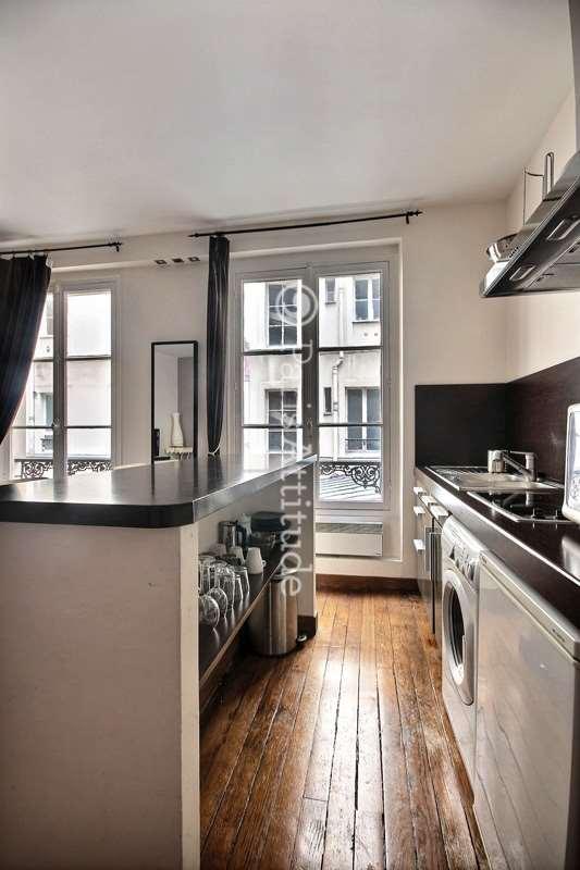 Louer un appartement paris 75004 44m marais ref 12484 for Louer chambre sans fenetre