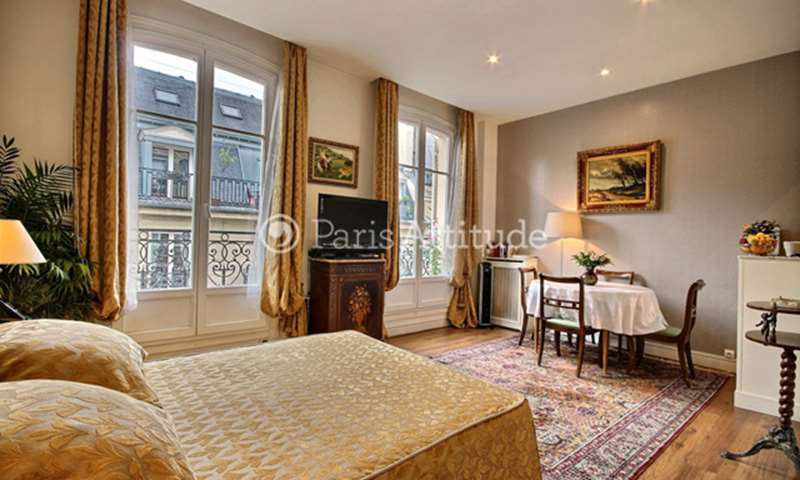 Rent Apartment Studio 30m² rue du Colisee, 75008 Paris