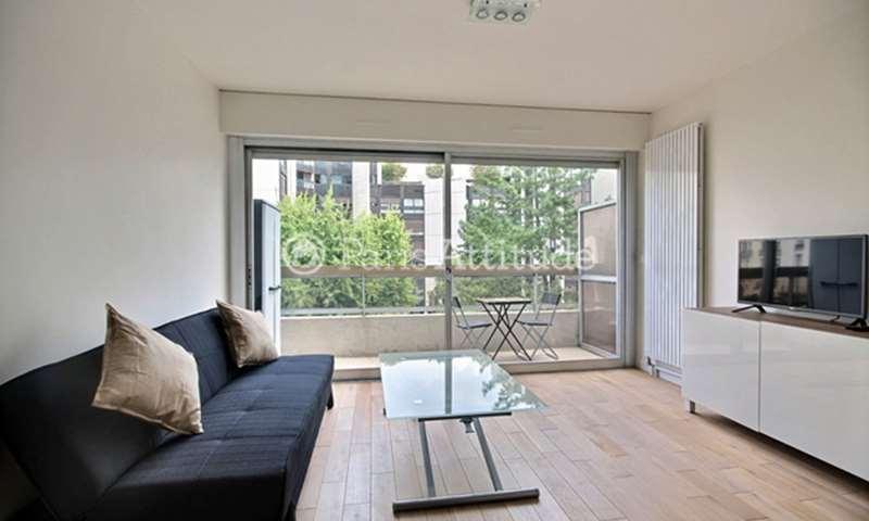 Rent Apartment Studio 22m² rue Aumont Thieville, 17 Paris
