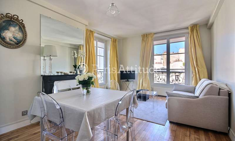 Rent Apartment Alcove Studio 34m² rue Debelleyme, 3 Paris