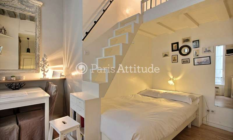 Rent Apartment Studio 14m² rue de Sevigne, 4 Paris