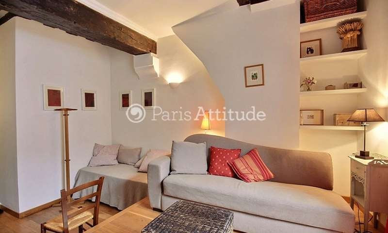 Rent Apartment Studio 25m² rue des Archives, 4 Paris