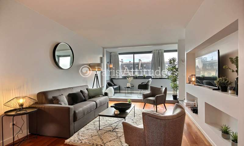 Location Appartement 2 Chambres 84m² avenue Marceau, 75016 Paris