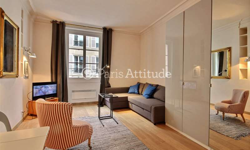 Rent Apartment Studio 29m² rue de Bourgogne, 7 Paris