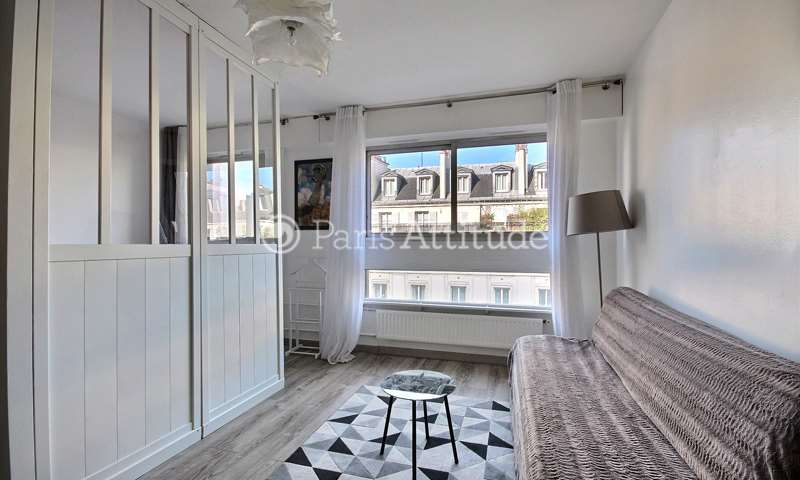 Rent Apartment Alcove Studio 30m² rue Saint Maur, 75011 Paris