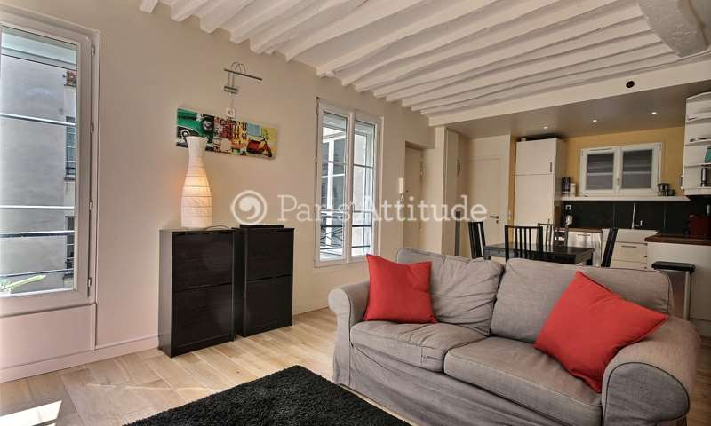 Rent Apartment 2 Bedrooms 52m² rue de Provence, 9 Paris
