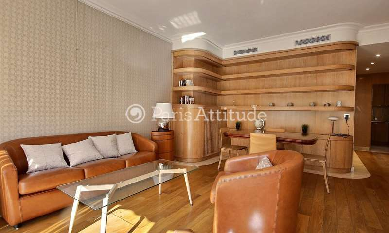 Rent Apartment 1 Bedroom 53m² avenue George V, 8 Paris