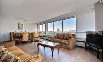 Rent Apartment 3 Bedrooms 149m² quai de Grenelle, 15 Paris