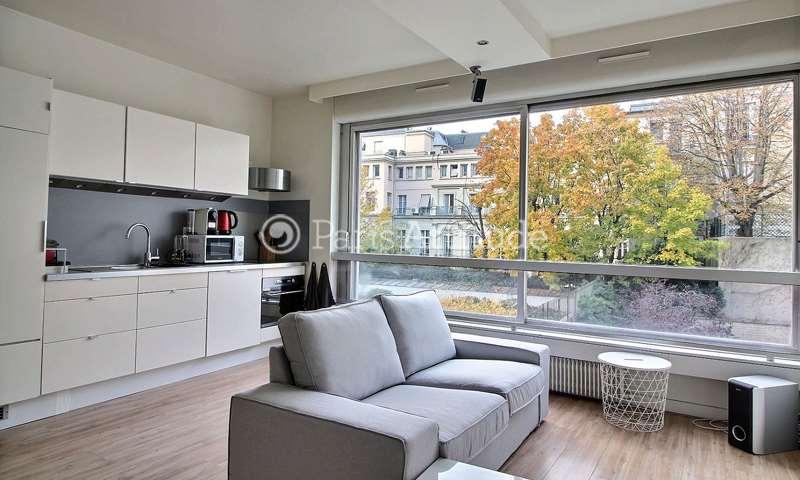 Rent Apartment Alcove Studio 35m² rue de Berri, 8 Paris